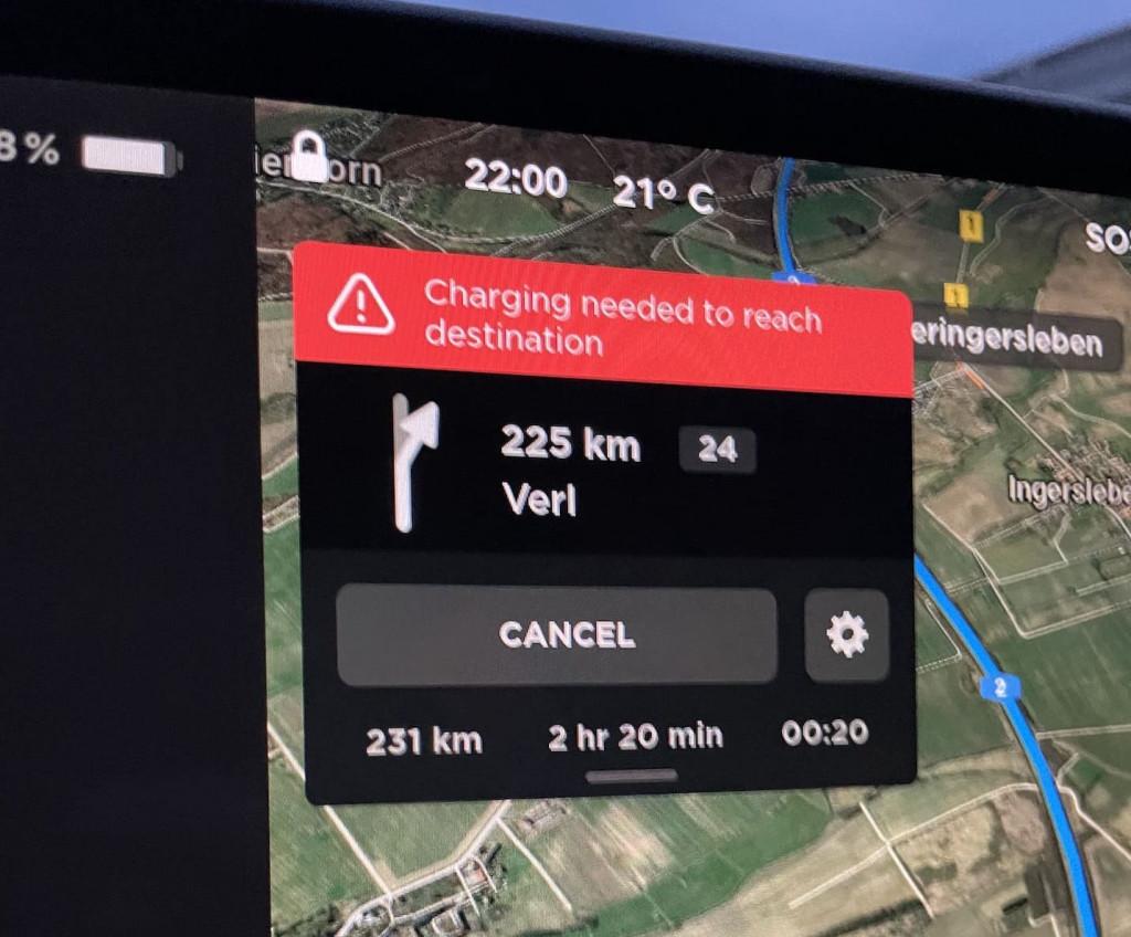 Warnhinweis Tesla Model 3 Ladung reicht nicht zum Ziel